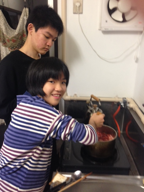 The children making jam with the fruit we were given (from start to finish ... without my help)